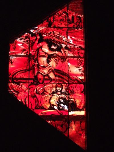 Rohbau des Krippenmuseums: Tor und Fenster, Putz und Torbogen