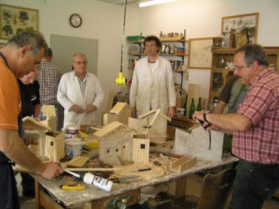 Krippen bauen in Gemeinschaft im Kursleiterlehrgang