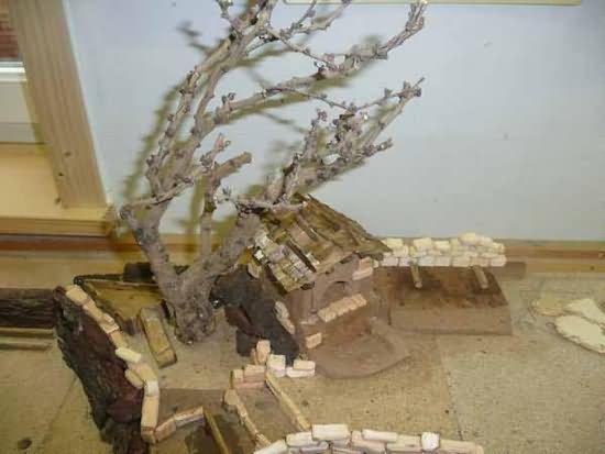 Baum auf der Krippe, Bachhaus und Stangenlager