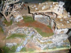 Bauanleitung alpenländische Krippe – Streuen und fertige Krippe