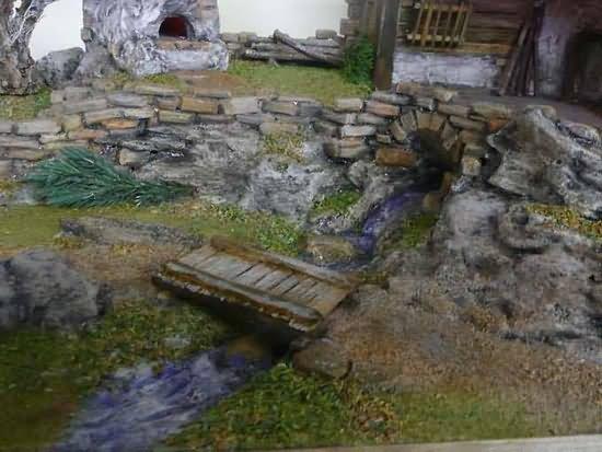 Der Bachlauf mit Felsen