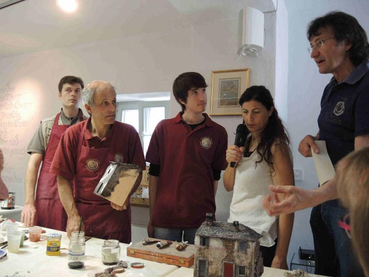 """""""Nichts Wegwerfen"""": Ein italienischer Krippenkünstler an der Mosel"""