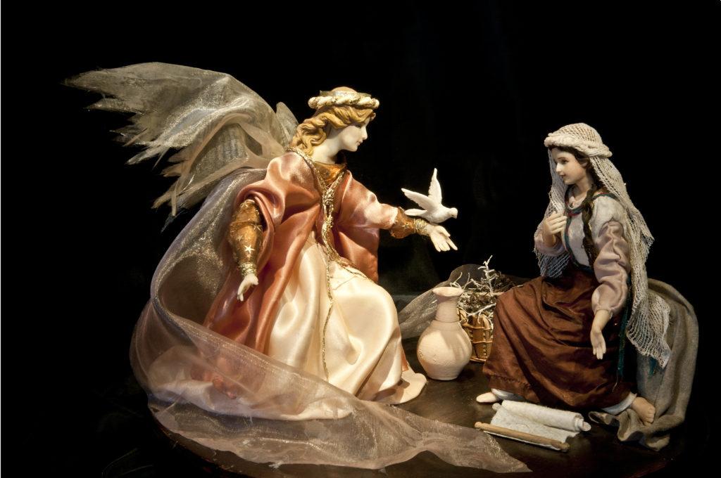 Verkündigung an Maria, aus Modelliermasse, von Ilona Klawitter